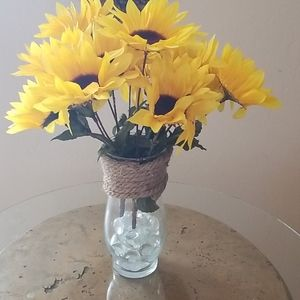 Accents - Vase of Sunflowers